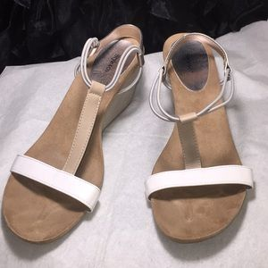 Slide Sandals with the wedge
